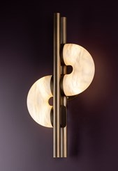 Dolly Wall Lamp